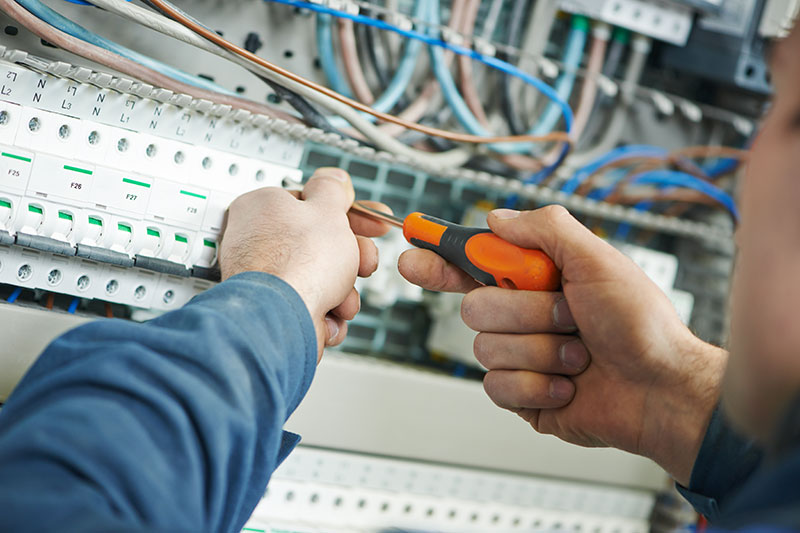 electricians and electrical testing services Exeter Devon